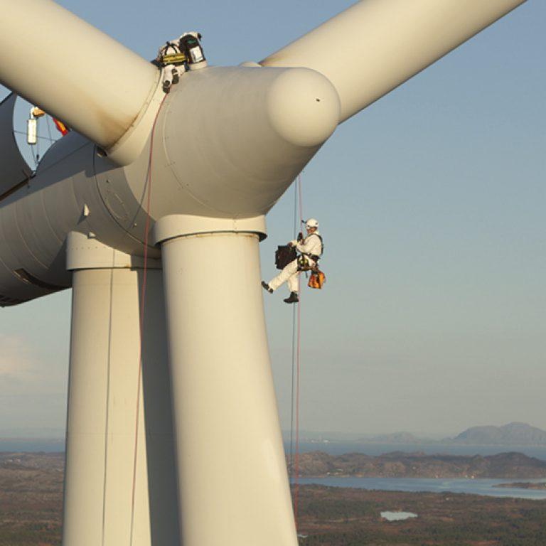 dronen fanget vedlikehold av vindmøllene for Publico Kommunikation
